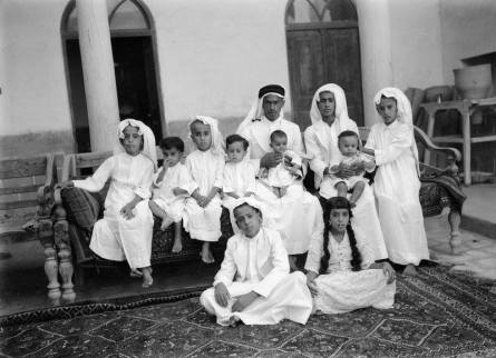 A Kuwaiti trader with dependents to another 1930s